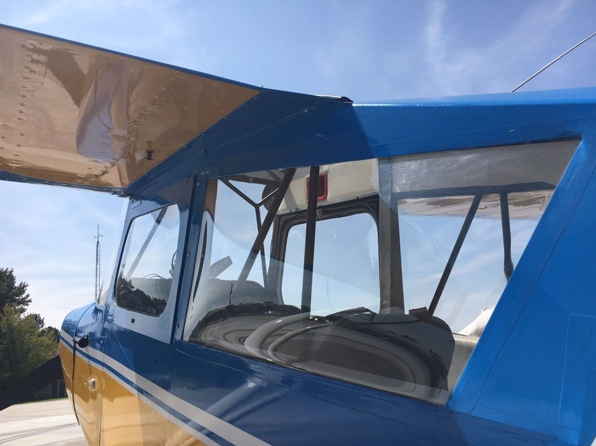 Citabria 7KCAB - Under wing